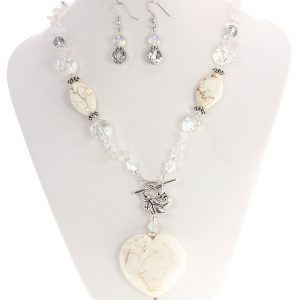 magnesite heart necklace