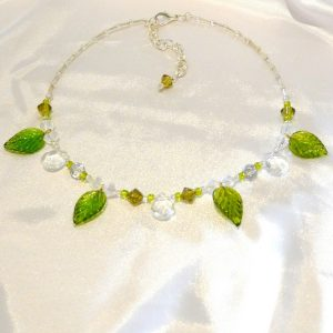 necklace with leaves