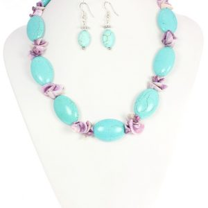 Turquoise necklace with shells