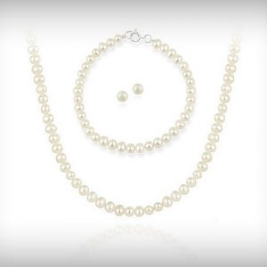 pearl_necklace_and_bracelet